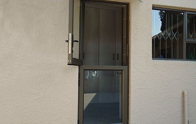 alunium stable door